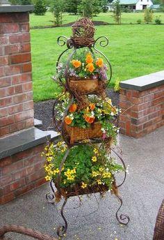 nice Decoratiuni din metal - ca suport de sustinere pentru flori Decoratiuni din metal - ca suport de sustinere pentru flori Daca ati realizat macar o mica parte din ideile de amenajari pe care vi le-am tot prezent...
