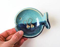 Vis vormige Ring Bowl, Aqua en blauw, keramiek, aardewerk, Ring schotel, sieraden schotel, sojasaus schotel, Ring Holder - Lauren Sumner aardewerk