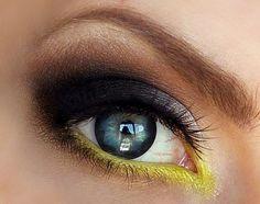 25 Best Green Smokey Eye Make Up Ideas, Looks & Pictures Makeup Vs No Makeup, Makeup Geek, Makeup Tips, Beauty Makeup, Makeup Looks, Hair Makeup, Makeup Ideas, Eyeshadow Makeup, Batman Makeup