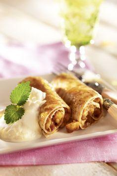 Makeat tortillat maistuvat lettujen tapaan kaikille. Tarjoa hedelmillä täytetyt tortillat raikkaan sitruunarahkan kanssa.