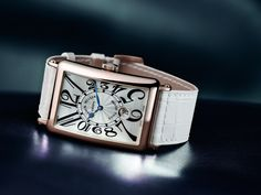 The Long Island, driven by its rectangular shape and numbers has become a leading model of Franck Muller's creation.
