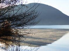 Certi riflessi, certe brume sul lago (d'Orta)