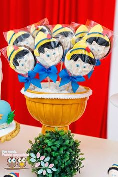 Pinocchio themed birthday party: the pops