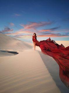 "Huawei Mate 20 Series ""Sea Sand"", photography by Jvdas Berra - Ego - AlterEgo Desert Photography, Fantasy Photography, Portrait Photography, Photography Series, Glamour Photography, Lifestyle Photography, Editorial Photography, Fashion Fotografie, Creative Fashion Photography"