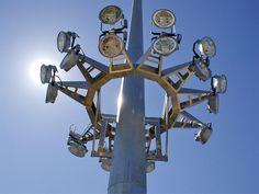 valmont-high-mast-light-tower.jpg (1024×768)