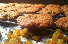 Golden Raisin Oatmeal Cookies Just pure, old-fashioned good! www.twirlandtaste...