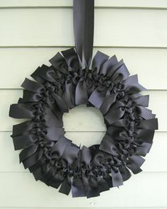 DIY Halloween Ribbon Wreath tutorial-elegant, inexpensive and easy! Put them up INSIDE the house, too! Holidays Halloween, Halloween Crafts, Holiday Crafts, Holiday Fun, Halloween Decorations, Holiday Decor, Holiday Wreaths, Gothic Halloween, Winter Wreaths