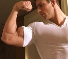 Learn how to build bigger arms faster. Growing Big thick bulging muscles are possible. Easy Arm Workout, Big Biceps Workout, Gym Workout Tips, Workout Routines, Forearm Workout, Workout Abs, Dumbbell Workout, Body Workouts, Get Bigger Arms
