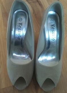 Kup mój przedmiot na #vintedpl http://www.vinted.pl/damskie-obuwie/na-wysokim-obcasie/13389342-buciki-na-koturnie-bez-palcow-rozmiar-37