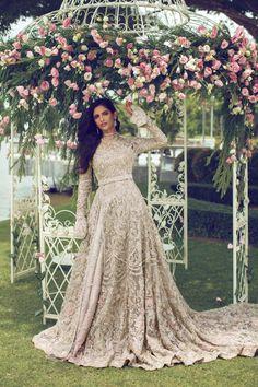 FLORAISON – Suffuse Sikh Wedding Dress, Asian Wedding Dress Pakistani, Asian Bridal Dresses, Pakistani Bridal Makeup, Pakistani Fashion Party Wear, Indian Bridal Fashion, Pakistani Wedding Dresses, Bridal Outfits, Nikkah Dress