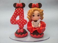 Topo de Bolo Minnie feito em biscuit.  Personalize como quiser.  Consulte outros temas.
