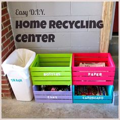 Home Recycling Center - Easy D. Home Recycling Center Easy D. Home Recycling Center made from wooden crates: Bottles, Paper, Cans, Cardboard and Trash Recycling Station, Recycling Center, Recycling Bins, Cardboard Recycling, Recycling Containers, Plastic Containers, Diy Simple, Easy Diy, Wooden Crates