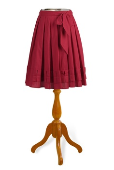 Skirts like this always look so good on plus sized girls. 3X.
