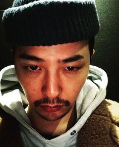 Christmas selca💕🎄 Please be happy😁❤ [GDstagram] Bigbang G Dragon, Vip Bigbang, Daesung, G Dragon Tattoo, G Dragon Instagram, Bigbang Wallpapers, Rapper, G Dragon Top, Choi Seung Hyun