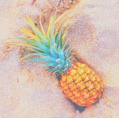 pineapple, beach, and summer image Cute Wallpaper Backgrounds, Aesthetic Iphone Wallpaper, Cool Wallpaper, Cute Wallpapers, Aesthetic Wallpapers, Pineapple Pictures, Pineapple Art, Beach Aesthetic, Summer Aesthetic