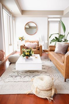 A Bohemian, Mid Century Modern Apartment in Calgary, Alberta, Canada. Dark Living Rooms, Mid Century Modern Living Room, My Living Room, Living Room Interior, Home Interior, Living Room Furniture, Living Room Decor, Accent Furniture, Interior Design