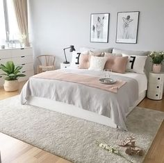 Comfortable Apartment Bedroom Decor Ideas decorating the apartment bedroom is challenging. Since it is a minimalist bedroom, you need to be wiser in applying the idea of room decoration. Pink Bedrooms, Teenage Girl Bedrooms, Girls Bedroom, Small Bedrooms, Teenage Beds, Apartment Bedroom Decor, Room Ideas Bedroom, Bed Room, Bedroom Furniture