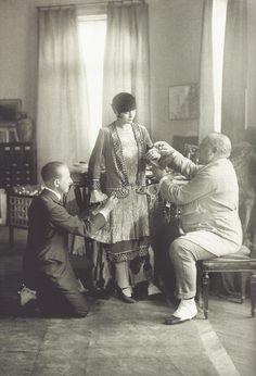 Paul Poiret et son tailleur, Paris, octobre 1925
