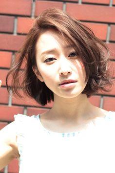 AFLOAT Xel-Haのヘアスタイル | 耳掛け遊びのあるボブ | 東京都・青山・表参道の美容室 | Rasysa(らしさ)