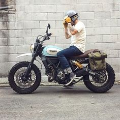 Inventive, youthful and free-spirited, the new Ducati Scrambler is much more than a bike, It's a land of joy, freedom and self-expression. Xt 600 Scrambler, Ducati Scrambler Custom, Scrambler Motorcycle, Retro Motorcycle Helmets, Scooter Motorcycle, Moto Bike, Estilo Cafe Racer, Enduro Vintage, Desert Sled
