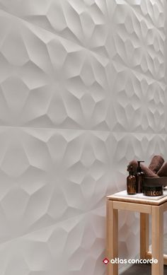Minimal and contemporary walls are styled by refined design textures for three-dimensional walls able to add the surface with a touch of harmony and liveliness. | 3D WALL DESIGN / DIAMOND | atlasconcorde.com