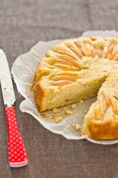 Apple Cardamon cake