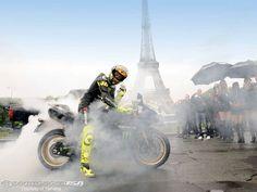 Vale Eiffel  Tower, 2009