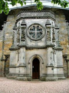 Visit the chapel of Templars - Rosslyn (Edinburgh) - Scotland. Discover the Holy Grail. Christ's cup is said to be hidden in the vaults of Rosslyn Chapel, near Edinburgh, one of several wild rumours attached to the mysterious century building. Knights Templar Symbols, The Places Youll Go, Places To Visit, England And Scotland, Scotland Uk, Scotland Symbols, Scotland Trip, Highlands Scotland, Glasgow Scotland