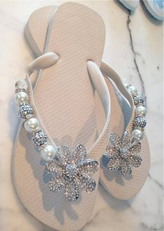 White Haute Flipinista®* *Flipinista is a registered Trademark brand. Please do NOT pin to… – zapatos de mujer Cute Sandals, Flip Flop Sandals, Flip Flop Craft, Crochet Flip Flops, Decorating Flip Flops, Beach Flip Flops, Flip Flops Diy, Shoe Crafts, Fall Fashion Trends