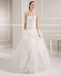 1 8S165 LISBOA - Robes de mariée - Luna Novias - Mariages.net