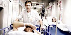 Især ansatte på hospitaler er pressede, viser en ny analyse.