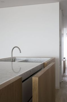 kitchen - counter top in carara marble