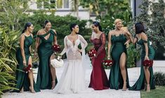 Here are 25 fall bridesmaid dresses and looks that are to die for this season. Emerald Green Bridesmaid Dresses, Fall Bridesmaid Dresses, Black Bridesmaids, Wedding Bridesmaids, Emerald Green Wedding Dress, Bride Gowns, Wedding Gowns, Bridal Party Dresses, Bridal Parties