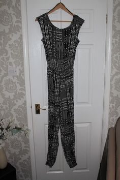 422e984b5b7 Ladies Papaya black white long jumpsuit. Aztec design size 10 on trend   fashion
