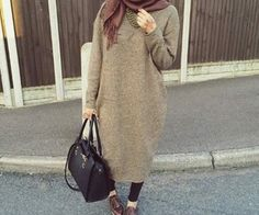 Image in hijab Outfit collection by on We Heart It Casual Hijab Outfit, Hijab Chic, Islamic Fashion, Muslim Fashion, Modest Wear, Modest Outfits, Modesty Fashion, Fashion Outfits, Street Hijab Fashion