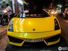 Siêu xe Lamborghini hàng độc tại VN lên báo nước ngoài - http://xeoto.asia/sieu-xe-lamborghini-hang-doc-tai-vn-len-bao-nuoc-ngoai.shtml