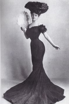 Every lady desired to be a Gibson Girl 1904 going to the extreme for the tiny waist.