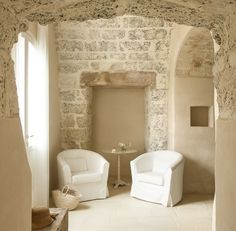 At Home With: Ludovica & Roberto Palomba, Puglia :: This Is Glamorous Interior Architecture, Interior And Exterior, Cottage Shabby Chic, Casa Hotel, Country House Hotels, Italian Home, Stone Houses, Deco Design, Sweet Home