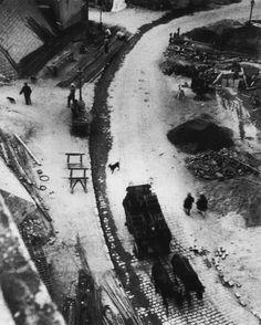 Avenue Junot Montmartre Paris 75018 (1927) André Kertész.