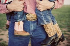 61 Trendy Baby Girl Country Photography Little Cowboy Country Life, Country Girls, Country Living, Country Babies, Country Man, Baby Pictures, Cute Pictures, Maternity Pictures, Family Photography