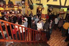El Cuento Bar con amigos en fiestas