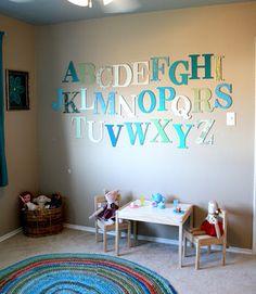 DIY alphabet wall, DIY art projects for kids room/school room/ playroom Kids Wall Decor, Diy Wall Art, Playroom Ideas, Playroom Design, Playroom Decor, Wall Decorations, Ideas Habitaciones, Diy Wand, Diy Art Projects
