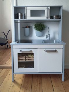 Kids room ideas – Home Decor Designs Hacks Cocina, Cocina Diy, Ikea Kids Kitchen, Mini Kitchen, Kitchen Racks, Play Kitchens, Cool Kitchens, Hacks Ikea, Ikea Toys