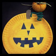 Paper Plate Pumpkin Jack-o-Lantern craft for preschoolers