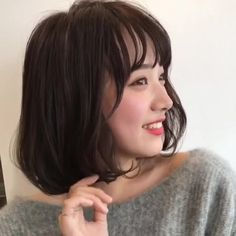 Bob with bangs Bobbed Hairstyles With Fringe, Short Hairstyles For Women, Hair Inspo, Hair Inspiration, Ulzzang Short Hair, Bob With Bangs, Hair Arrange, Wavy Hair, Beauty Women