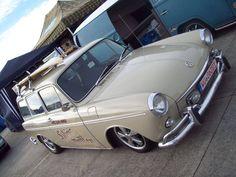 Squareback Vw Variant, Volkswagen Type 3, Volvo Wagon, Sports Wagon, Vw Classic, Parking Lot, Gumbo, Station Wagon, Car Stuff