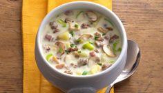 In der kalten Jahreszeit kannst du dich mit dem deftigen Pilztopf mit Kartoffeln und Hackfleisch von MAGGI wieder aufwärmen.