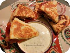 Pizzas, Quesadillas, Sandwiches ♥ on Pinterest | Pizza Quesadilla ...