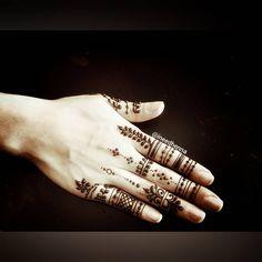 #henna #mehndi #tattoo #fingers #hand #love