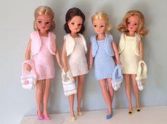 Sindy  spring outfits Barbie Knitting Patterns, Doll Dress Patterns, Vintage Barbie, Vintage Toys, Retro Vintage, Sindy Doll, Dolls, Knit Wear, Spring Outfits